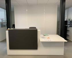 Installation d'une banque d'accueil Z2  - Aix-en-Provence