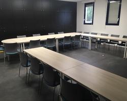 Ensemble tables et chaises lycée - Aix en Provence
