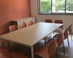 Aménagement table de réunion et chaises - La Ciotat
