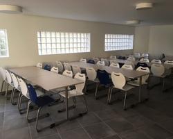 Equipement réfectoire tables et chaises école Aix en Provence by Bureau Mobilier Agencement