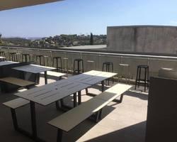 Installation de tables et bancs attachés - Ollioules